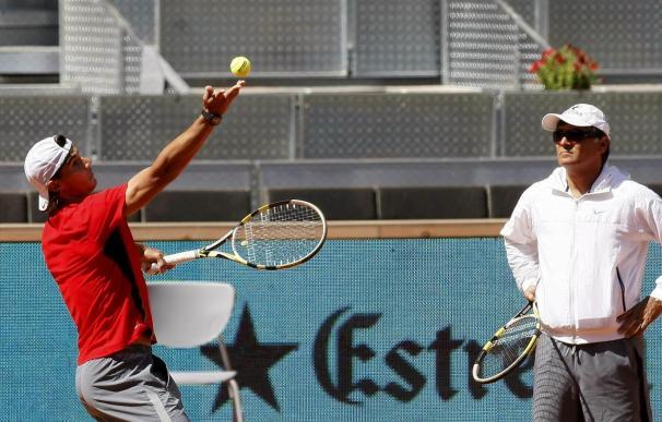 Nadal prepara su debut contra Mina en París mientras Federer abre su defensa