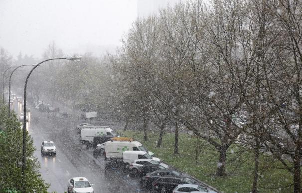 El 112 avisa a ayuntamientos de que hasta las 21 horas nevará en la Cuenca Alta del Manzanares y en el Valle del Lozoya