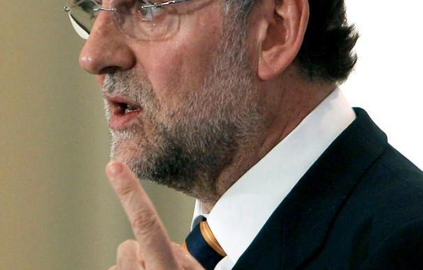 """Rajoy, dispuesto a """"acordar"""" políticas con Zapatero si éste rectifica"""