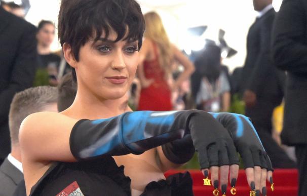(FILES) Singer Katy Perry arrives at the 2015 Met