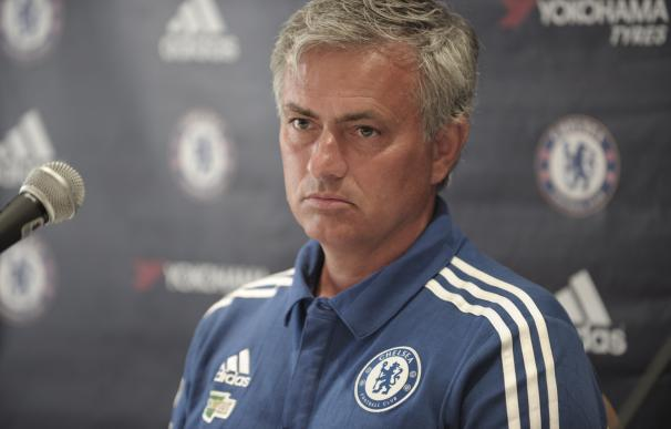 Chelsea manager Jose Mourinho speaks during a pres
