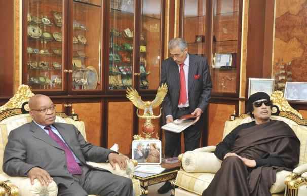 Zuma y Gadafi, en Trípoli