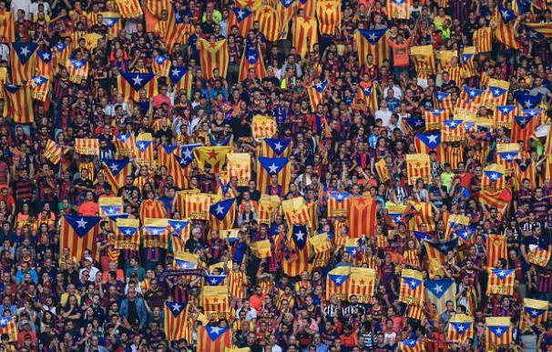 La afición del Barça lució centenares de esteladas en Berlín