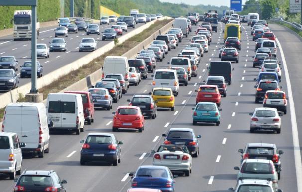 Las principales carreteras madrileñas presentan retenciones en las primeras horas de la Operación Verano