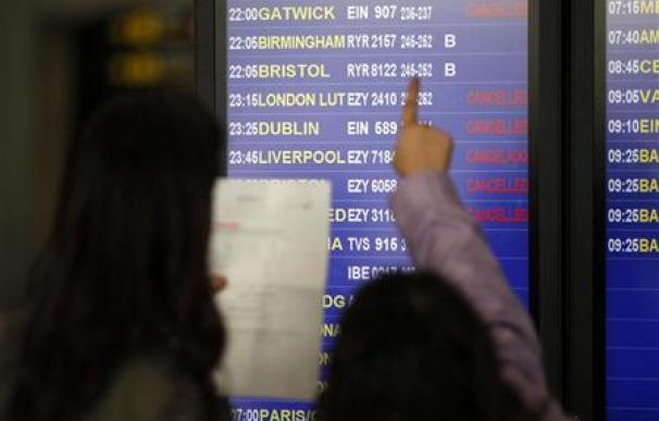La ceniza golpea el tráfico aéreo y podría volver a Europa