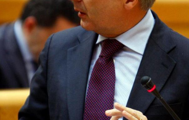 Fomento anuncia un ajuste de inversión de 6.400 millones en 2010-2011