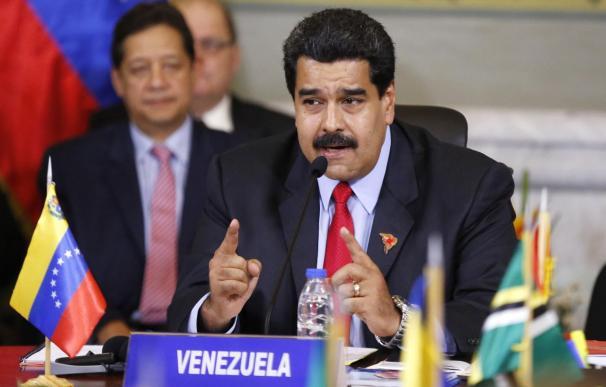 """Maduro ordena una """"revisión integral"""" de las relaciones con Guyana"""