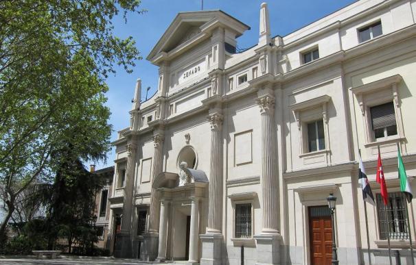 El Senado guarda un minuto de silencio en recuerdo de José Federico de Carvajal y de Juan Ignacio Uría