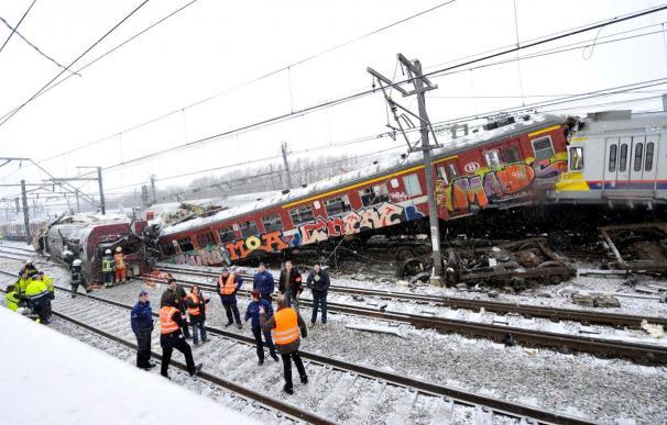 Una veintena de personas puede haber muerto en el accidente ferroviario en Bélgica
