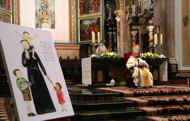 """Cañizares apuesta por """"renovar la presencia de la Iglesia"""" en la educación """"muy acosada en España"""""""