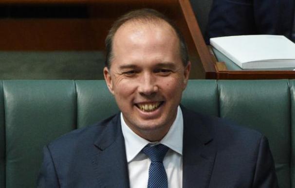 El ministro de inmigración australiano, en contra de los refugiados por analfabetos y negados