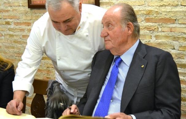 El Rey Juan Carlos disfruta del mejor cocido en Vallecas