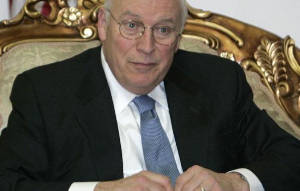 El ex vicepresidente Dick Cheney, hospitalizado tras sufrir dolores en el pecho