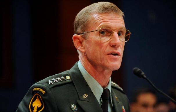 McChrystal pide perdón por la muerte de civiles en un ataque en el sur afgano