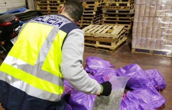 Dos detenidos en Alicante y Madrid por exportar 130 kilos de marihuana mediante envíos postales a Roma