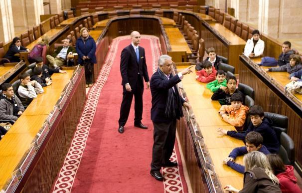 Arenas pide a Griñán que le reciba para presentarle sus medidas contra la crisis