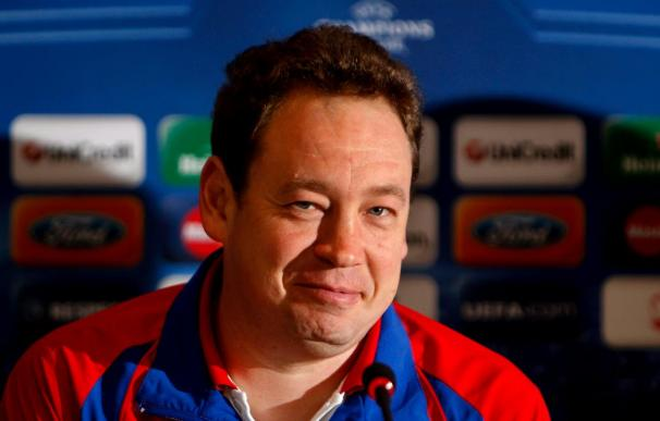 El entrenador del CSKA confirma la baja de Dzagóev y destaca el potencial ofensivo del Sevilla