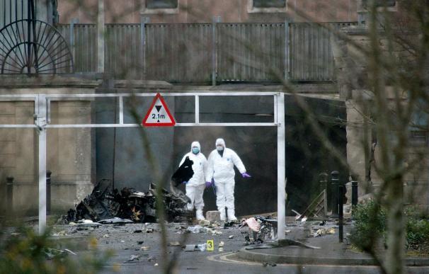 Hillary Clinton condena la explosión de un coche bomba en Irlanda del Norte