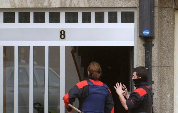 Un padre entrega a la Ertzaintza a su hijo de 18 años por pegar a su madre