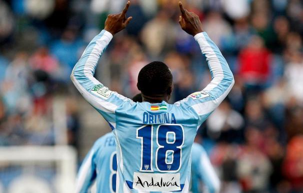 """El delantero nigeriano del Málaga Obinna confía en la victoria ante el Barcelona aunque """"es muy difícil"""""""