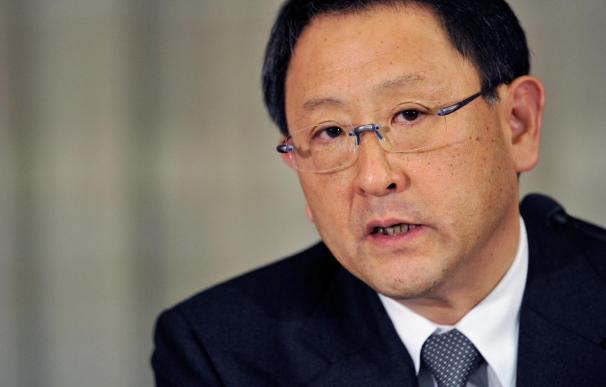 """Presidente de Toyota ofrece más disculpas y acepta su """"plena responsabilidad"""""""