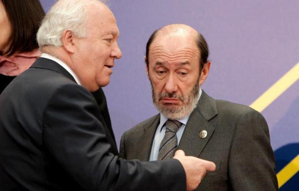 Moratinos asegura que España no va a reconocer a Kosovo