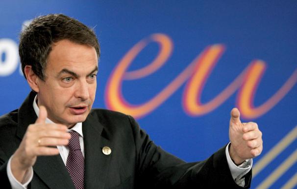 """Zapatero dice que escuchará a los sindicatos porque su Gobierno no es de """"decretazos"""""""