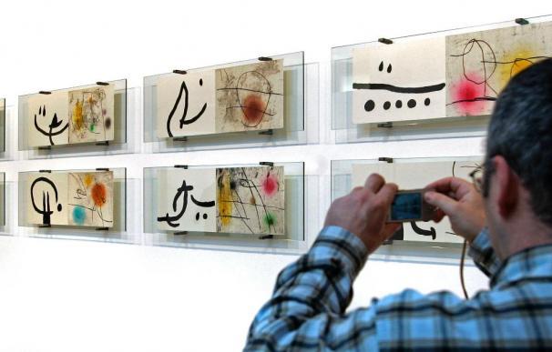 Una exposición muestra los grabados surrealistas de Miró, Tàpies y Saura