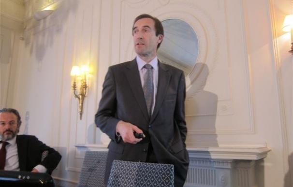 """Menéndez (Cajastur) avisa de que la """"premura"""" de las salidas a bolsa de cajas influye en el precio"""