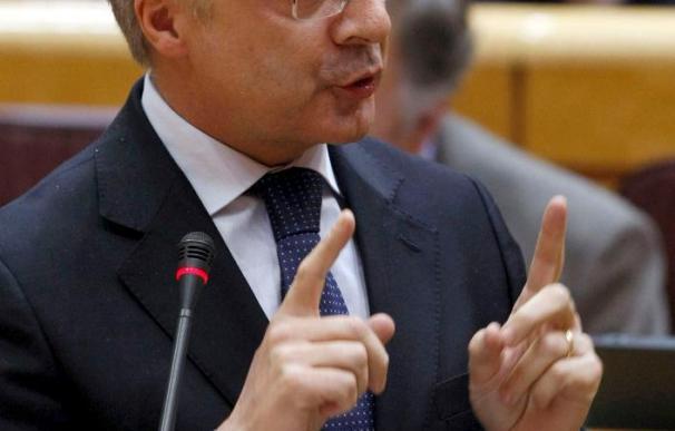 Blanco explica en gallego que defiende el uso de las lenguas cooficiales en el Senado