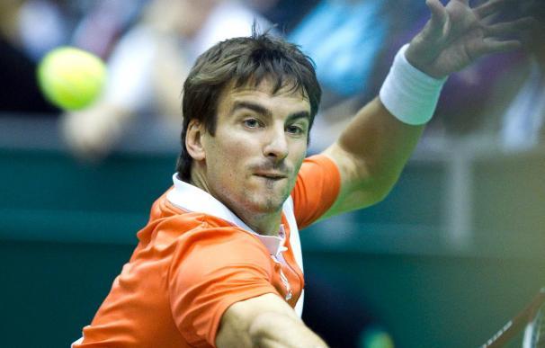 Robredo se deshace de Benneteau y pasa a segunda ronda del torneo de Dubai