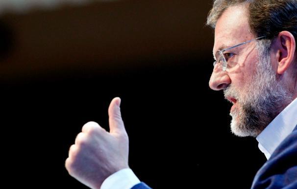 Rajoy dice que la manifestación es un problema de Zapatero y sus apoyos, UGT y CCOO