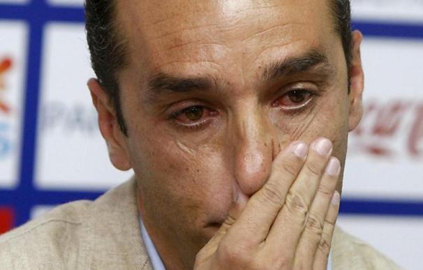 Emotiva despedida del Tenerife de un José Luis Oltra que no pudo contener las lágrimas