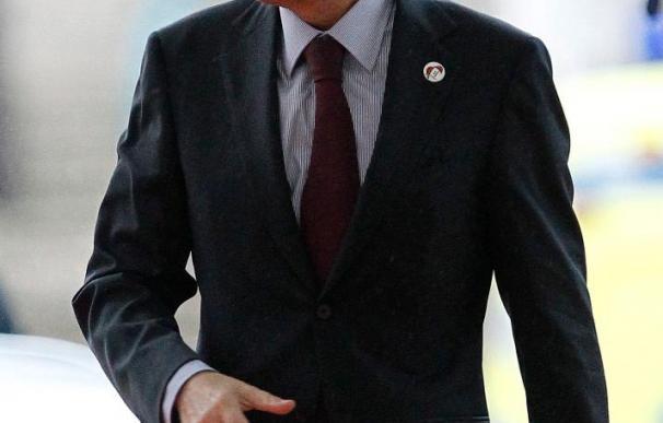 Zapatero viaja a Kazajistán junto a empresarios para impulsar el comercio