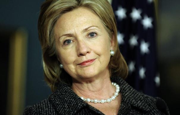 Clinton considera que habrá nuevas sanciones contra Irán en un mes o dos