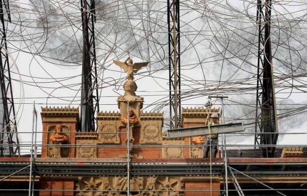 """La escultura """"Calcetín"""" de Tàpies presidirá el nuevo espacio de la Fundación"""
