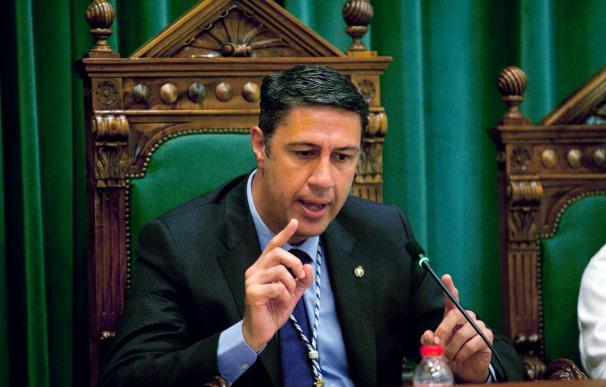 La juez cita a declarar al alcalde de Badalona por querella por odio racial