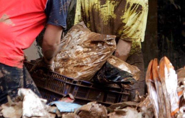 Funchal se esfuerza por borrar la huella de las riadas que asolaron la ciudad