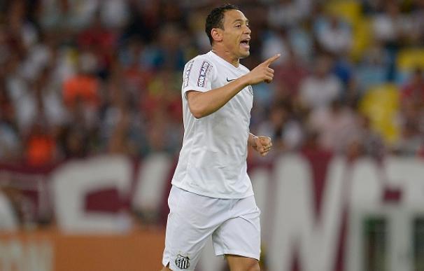 Ricardo Oliveira podría llegar al Barcelona. / AFP
