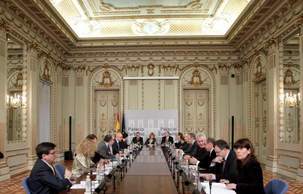 Zapatero dice estar esperanzado por la reunión para un pacto contra la crisis
