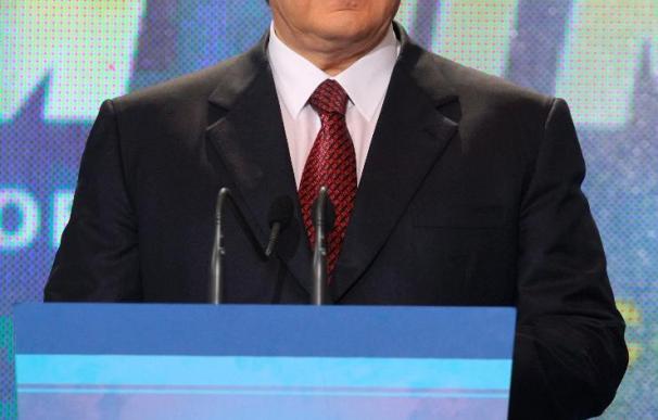 Yanukóvich toma posesión como presidente de Ucrania