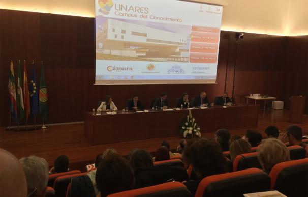 Reyes sitúa la innovación y la educación como claves para mejorar el futuro de la provincia
