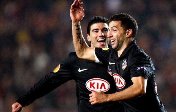 1-2. Un golazo de Forlán clasifica la Atlético en el minuto 89