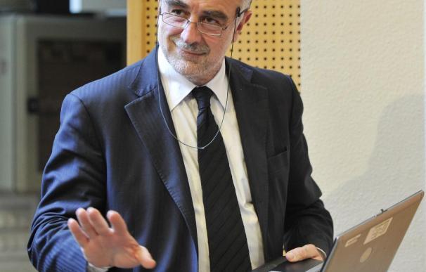 Moreno-Ocampo agradece a España que permita a Garzón trabajar en la CPI