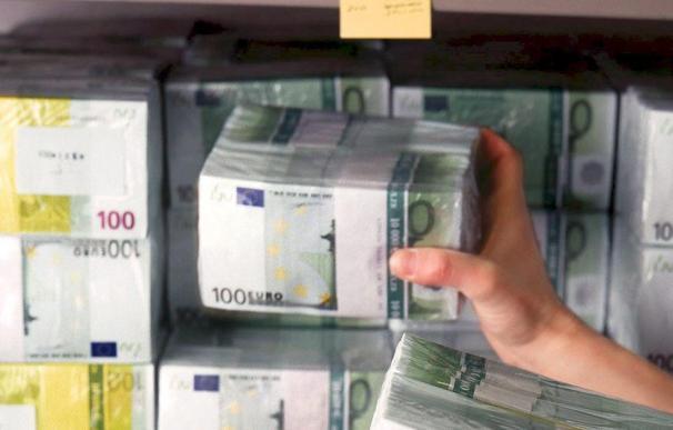 La confianza de consumidores y empresarios europeos se mantiene en febrero