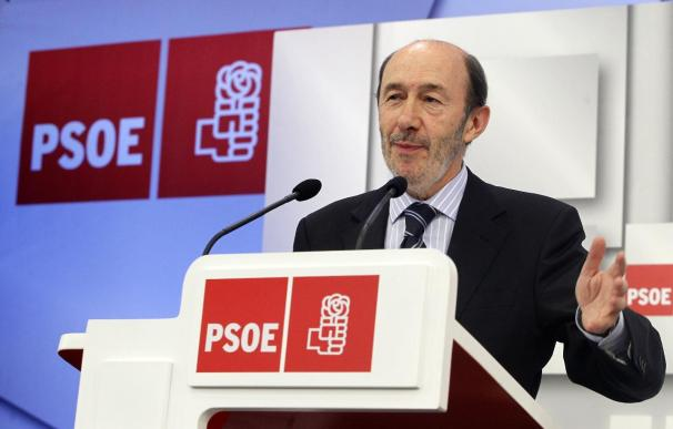 """Rubalcaba cree que Rajoy pretende """"podar"""" el Estado del Bienestar"""