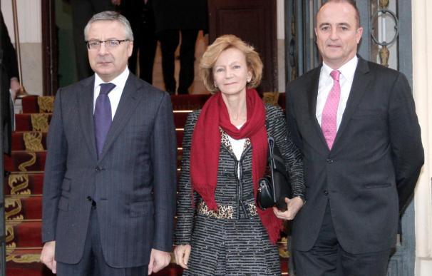 Comienza la reunión entre el Gobierno y los partidos para buscar un pacto anticrisis