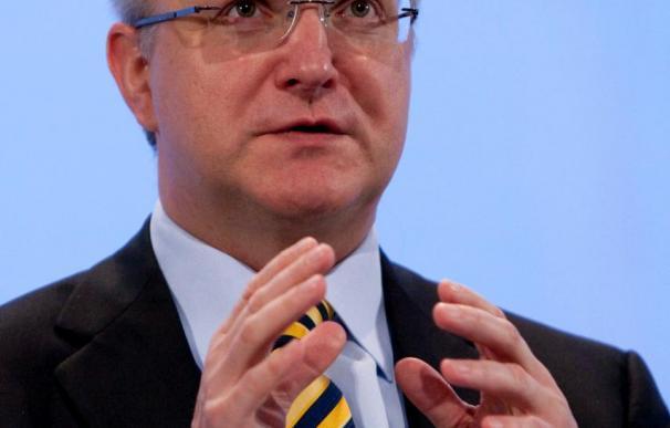 Bruselas rebaja en dos décimas la caída de la economía española para este año