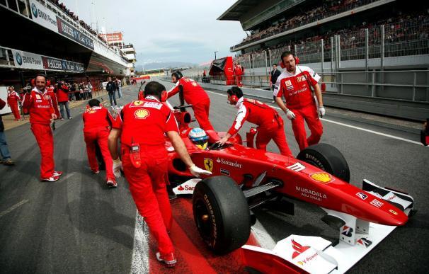 Alonso, con problemas en el F10, marca el séptimo mejor tiempo en Montmeló