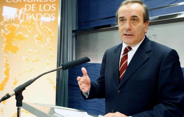 Alonso comunica al Congreso que también cobra la pensión de ex ministro